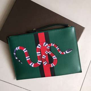 Gucci hand pouch bag
