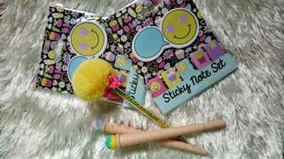 Cute stationary bundle pens and post its