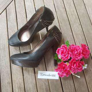 👠 GUESS heels Shoes