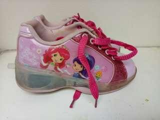 Sepatu dgn Roda Disney