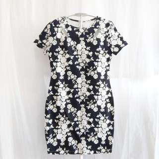 Black & White Floral Dress (Size L)