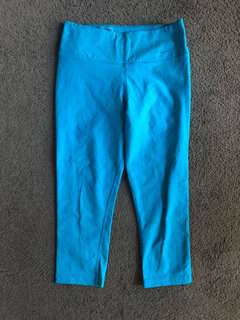 Nike women's crop tights, blue, size small