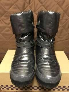90% New 購自旺角 女裝 銀色 短靴👢短Boots 休閒鞋