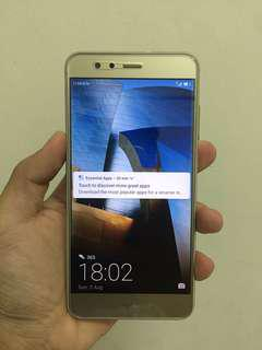 Huawei p10 lite gold phone only