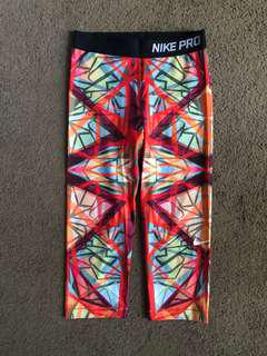 Nike Pro women's printed crop tights, size small