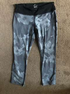 Nike women's cropped tights, size medium