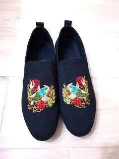Chinese Carp Embroidery Mens Shoes