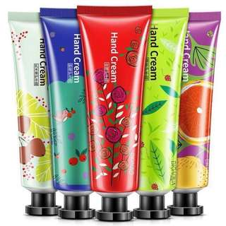 30g hand cream- good for teacher day