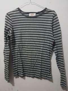 Kaos lengan panjang stripes garis abu stripe