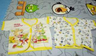 Baju atasan bayi