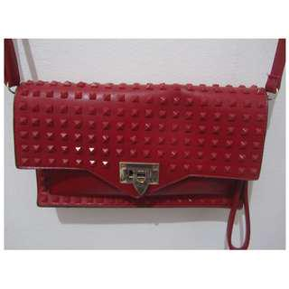 Flaming red clutch