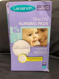 Lansinoh Nursing Pads 100 count Stay Dry Disposable Breast Pads
