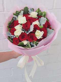 18 Rose Bundle