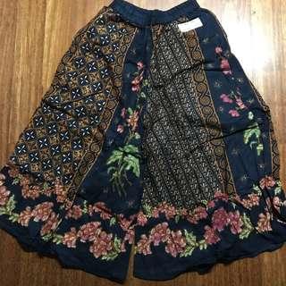 Amalia wide batik bottom