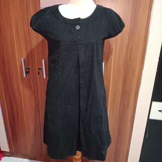 #onlinesale simplicity black dress