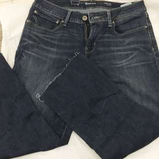 Almost new denim 3/4 pant with 4 pockets