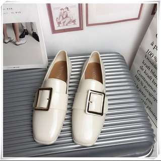 🚚 亮面金屬環樂福鞋 可換物