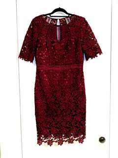 Review lace dress size AU 12 | knee length, lace, maroon plum colour,