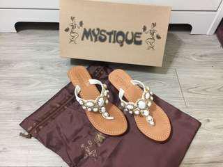 Mystique 全新真品女鞋--情人節最愛禮物