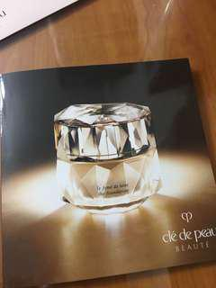 Cle de peau the foundation sample
