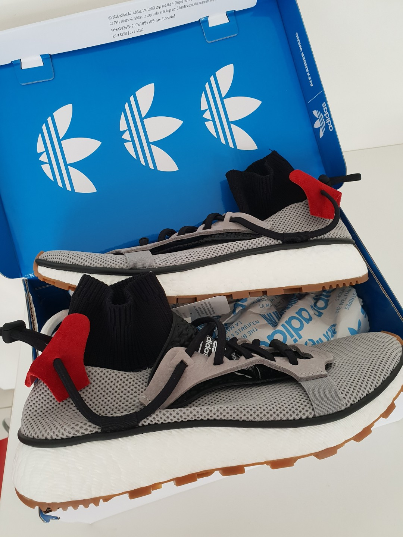revendeur 04093 61e53 LOWER PRICE adidas AW Run UK5.5 grey