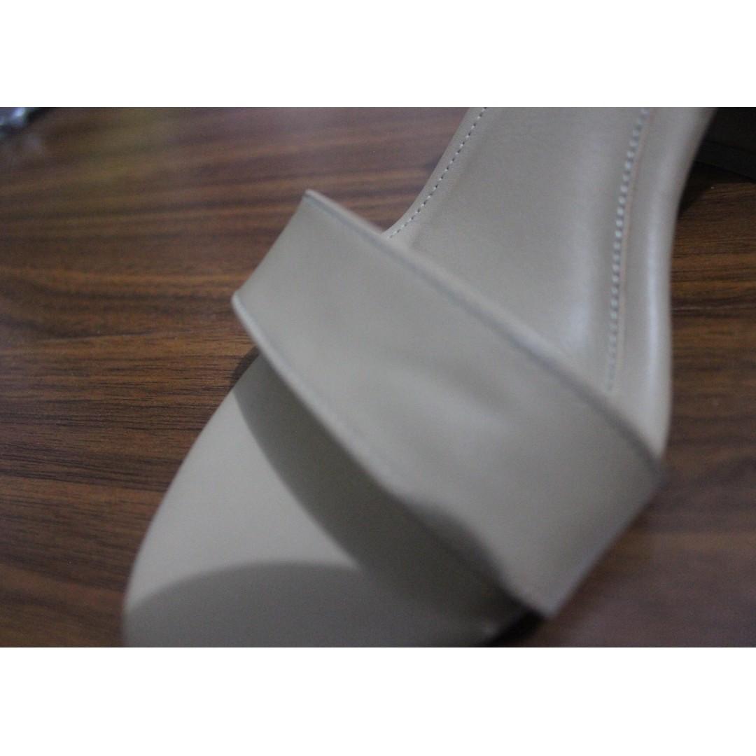 Amazara Hazelnut Nadine Heels Size 37 Preloved Fesyen Wanita Cara Flatshoes Beige 41 Sepatu Di Carousell