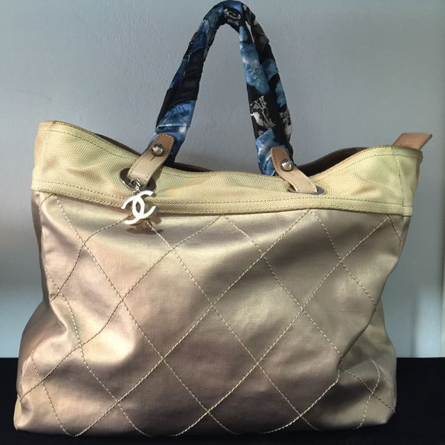 32e0554261bb Authentic100% Chanel Bag, Luxury, Bags & Wallets, Handbags on Carousell