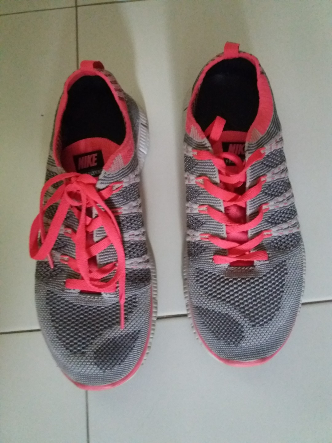 09d14e45db AUTHENTIC NIKE FLYKNIT SHOES