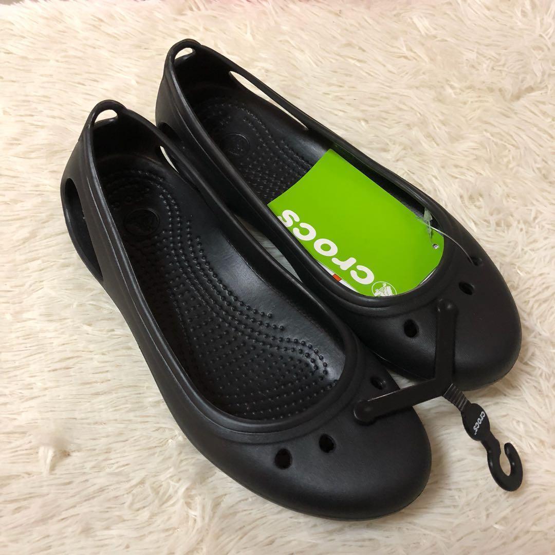 ab53cc1b468 BNWT Crocs Kadee Flats Black