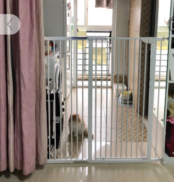 Cat gate 120cm tall (no drill, easy install), Pet Supplies, For Cats ...