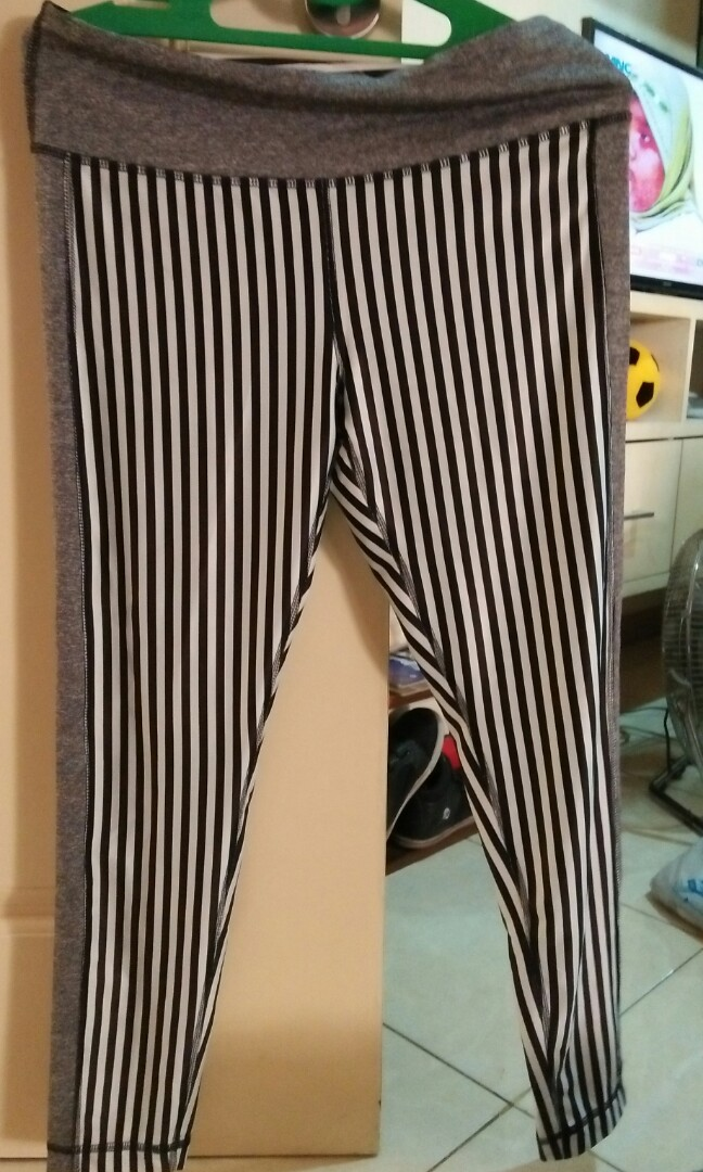 Celana Legging Bahan Bagus Women S Fashion Women S Clothes Bottoms On Carousell