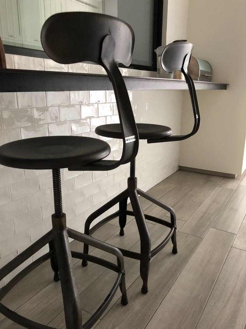 Comfort Bar Chairs Metal High Stools Coffee Rust Finish Furniture