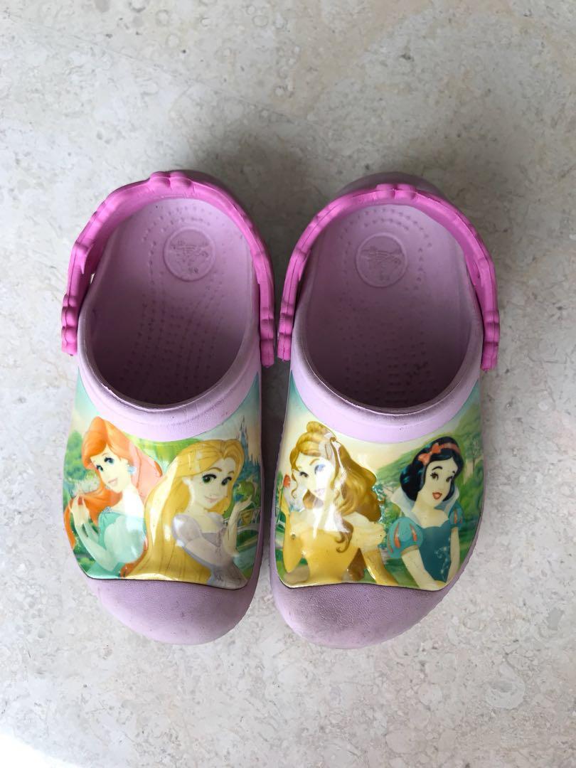 535324f8ffc9 Crocs Girl kid pink Princess sandals. Size 10 11
