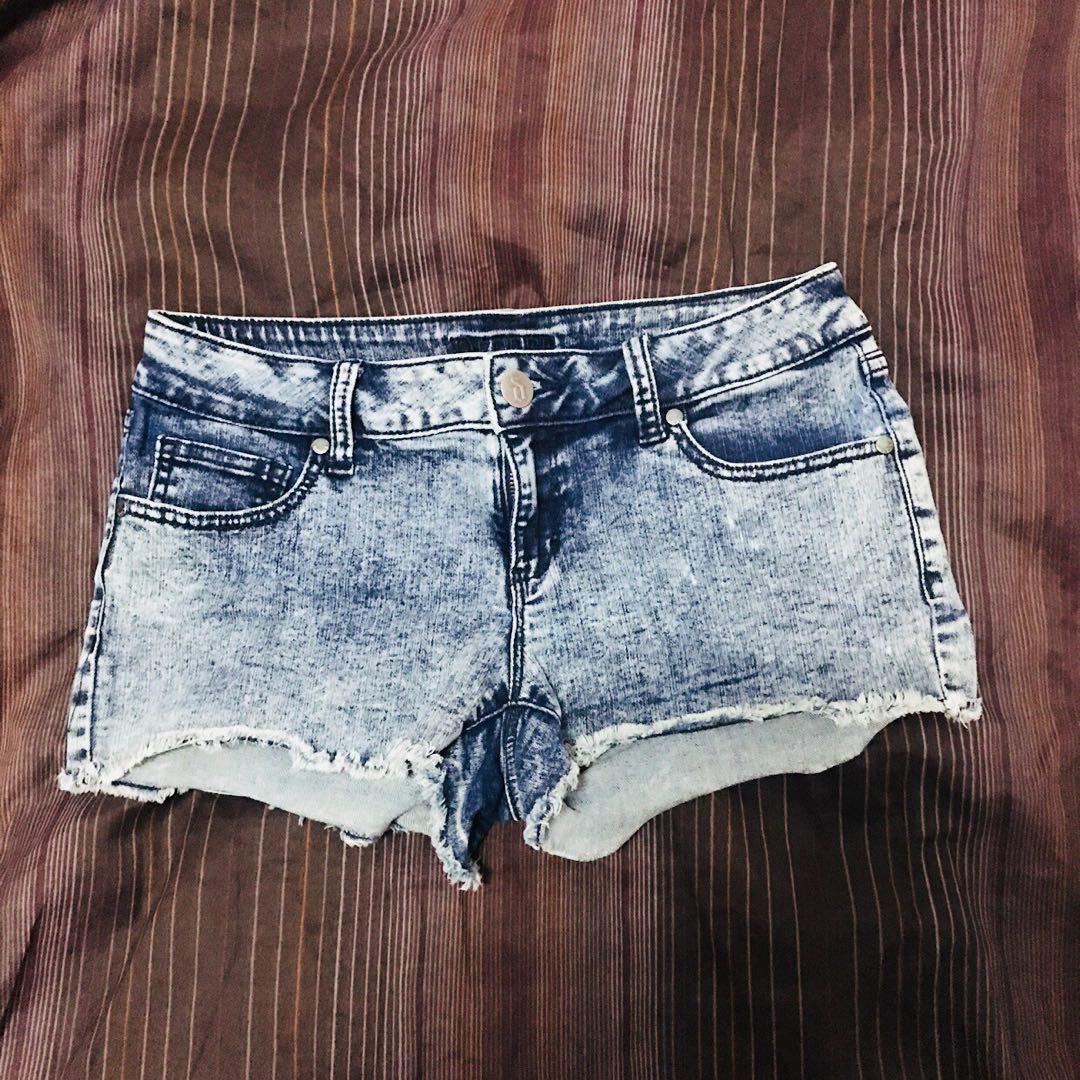 bdcf672408 Decree Acid Wash Denim Shorts, Women's Fashion, Clothes, Pants ...