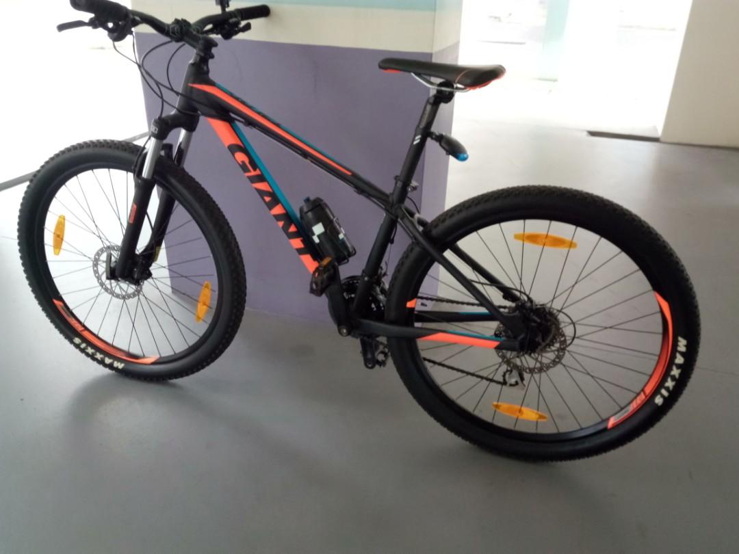 9d9252a255b Giant 2017 mountain bike, Bicycles & PMDs, Bicycles, Mountain Bikes ...