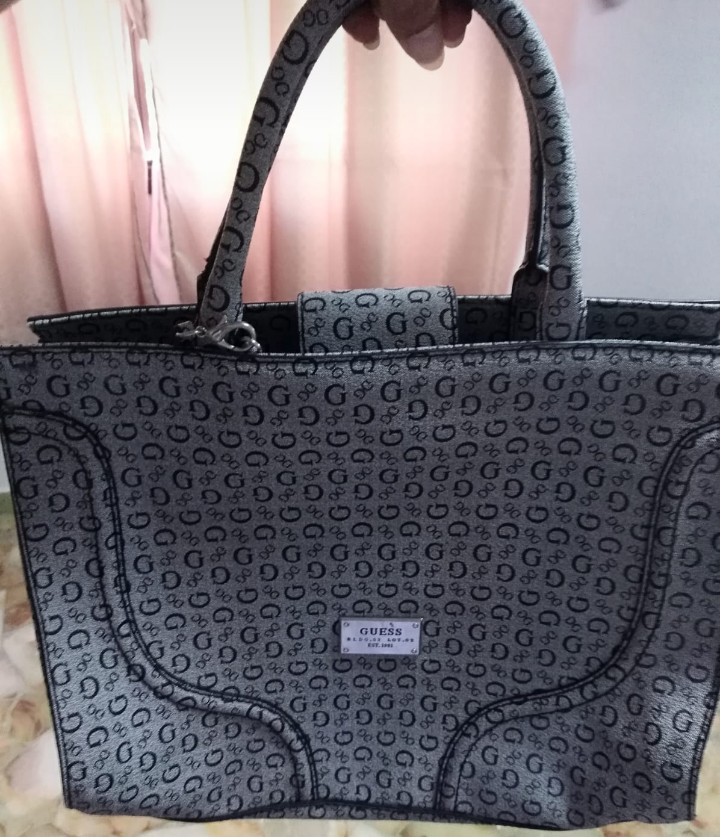 4ba3ca2cce2 Guess Bag, Women's Fashion, Bags & Wallets, Handbags on Carousell