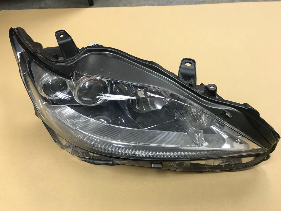 Lexus CT200 headlamp