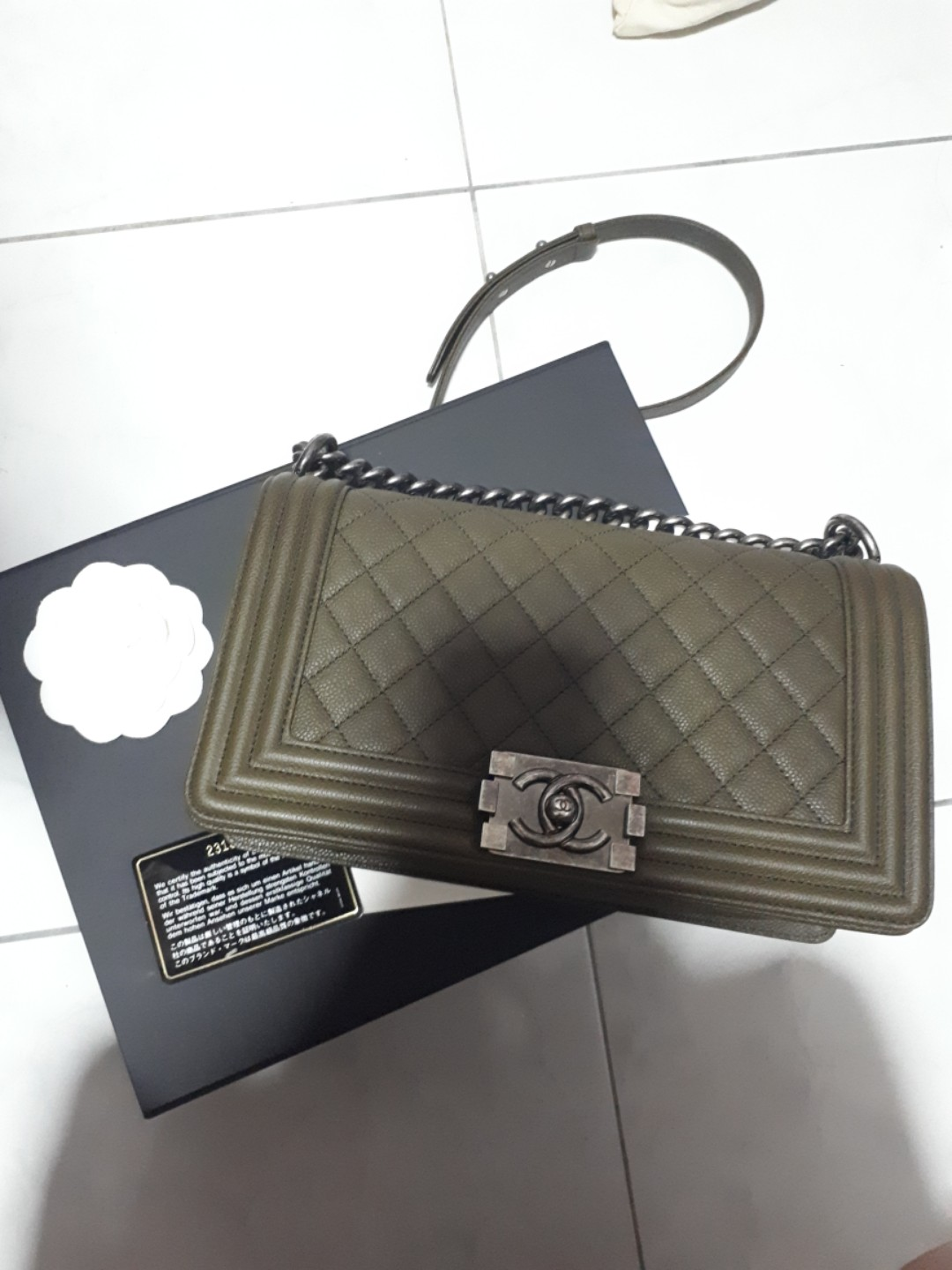 45603f3bb2f7 Like new Chanel Boy Old Medium Caviar - dark olive/kaki green ...