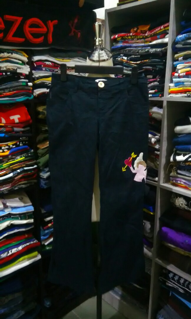 f0c681263b6 Moschino jeans donna, Women's Fashion, Clothes, Bottoms on Carousell