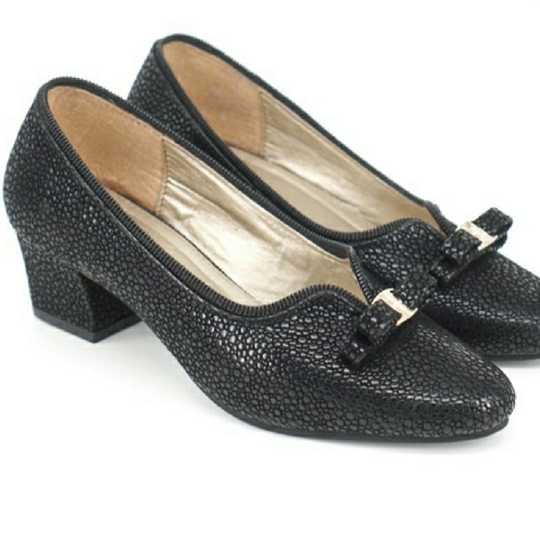Sepatu Basic Venako