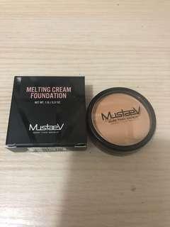 Mustave cream foundation