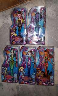 Monster High doll Scarrier Reef