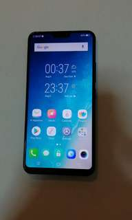 Vivo v9 phone only,case,changer condo like new can swap with other phone