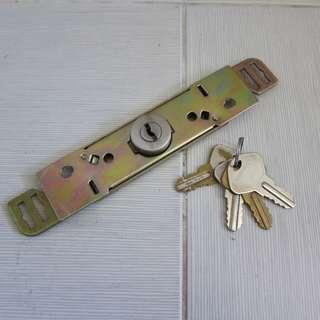 90%New(面交/順豐)商鋪鐵閘用鎖月口膽 連4條鎖匙