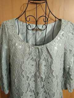 🚚 兩件免運。全新韓國復古灰色浮雕蕾絲氣質高貴U領七分袖洋裝