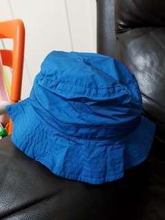 Initial 帽