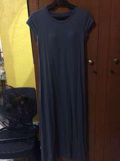 Uniqlo gray t-shirt/maxi dress small