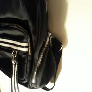 【全新】簡約風後背包