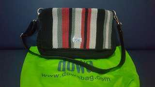 DOWA sling bag