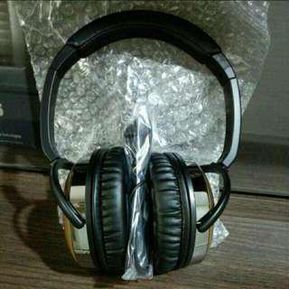 Brand New Creative E-MU Walnut Headphones